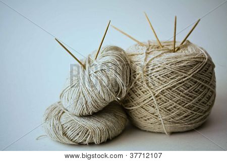 Cotton yarn and needles