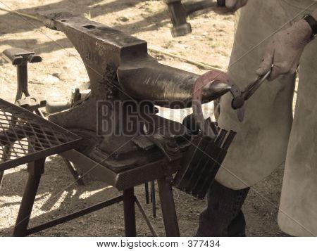 Horse Shoe Maker