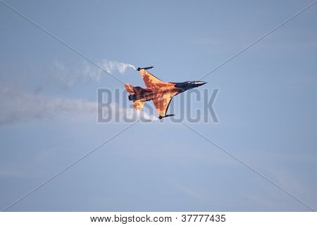 F-16 Fighter Falcon