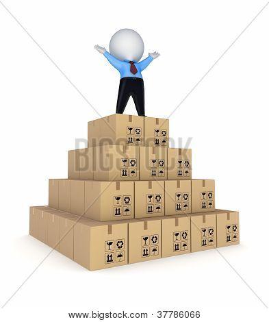Pirámide de cajas de cartón.