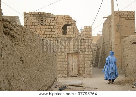 Tuareg nomad in the streets of Timbuktu