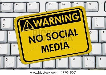 Sin acceso a medios sociales en el trabajo