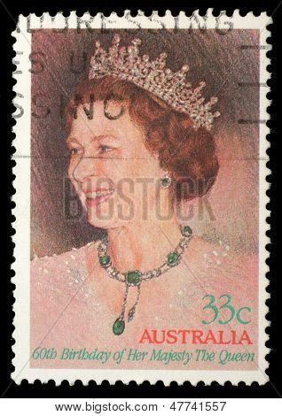 Austrália - CIRCA 1986: Um selo imprimido na Austrália, mostrando a rainha Elisabeth II, com a inscrição