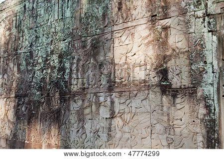 Bas-relief depicting battle scenes. Angkor Wat
