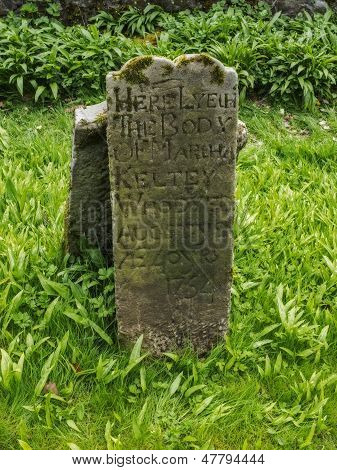 the old grave stone