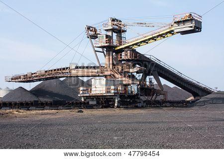 Iron Ore Crusher Machine.
