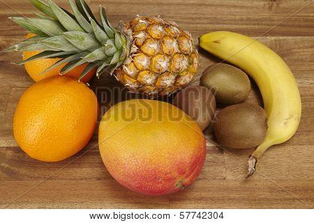 Multivitamin - Pineapple, Oranges, Banana, Kiwi And Mango