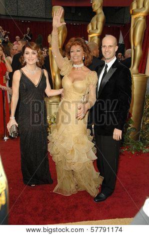 Sasha Alexander with Sophia Loren and Edoardo Ponti  at the 81st Annual Academy Awards. Kodak Theatre, Hollywood, CA. 02-22-09