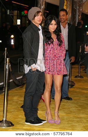 Zac Efron and Vanessa Hudgens at the U.S. Premiere of 'Watchmen'. Grauman's Chinese Theatre, Hollywood, CA. 03-02-09