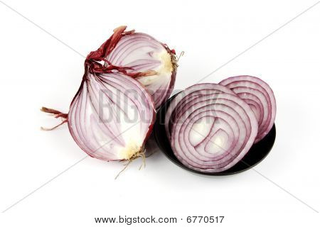 Red Onion Cut In Half With Slices
