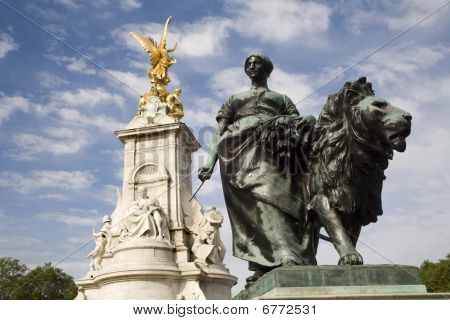 London - victory landmark by Buckingham palace - agriculture