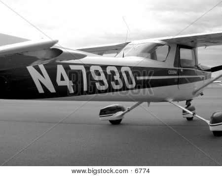 Cessna 152 Tail Number