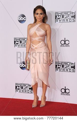 LOS ANGELES - NOV 23:  Jennifer Lopez arrives to the 2014 American Music Awards on November 23, 2014 in Los Angeles, CA