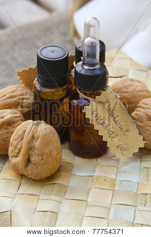 Walnut essential oil