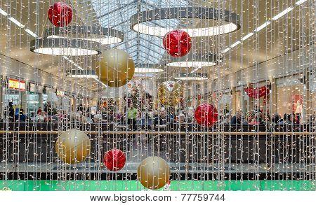 MULHEIM, GERMANY - DECEMBER 06 2014: Christmas Decoration In Forum