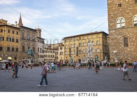 Neptune And Other Statues On Square Of Signora (piazza Della Signoria) In Florence In Italy In Summe