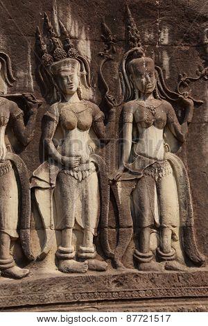 Apsara Dancers Decorate Angkor Wat