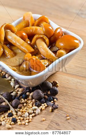 Marinated Mushrooms With Spices