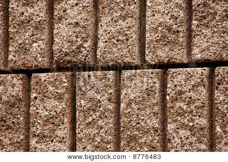 Primer plano de la pared de bloques de corte
