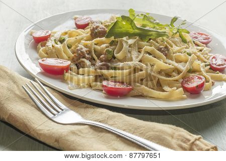 Fettuccine Alfredo With Ground Sausage
