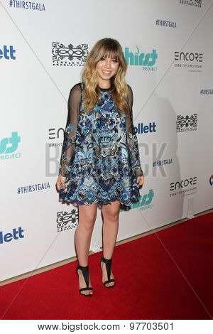LOS ANGELES - JUN 30:  Jennette McCurdy at the 6th Annual Thirst Gala at the Beverly Hilton Hotel on June 30, 2015 in Beverly Hills, CA