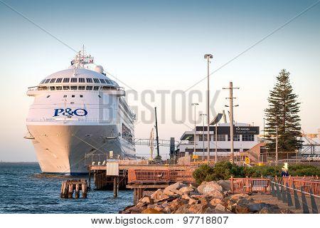 P&o Cruises Pacific Jewel At Sunset