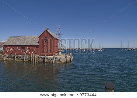 red barn in rockport massachusetts