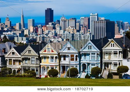 "Alamo Square in San Francisco ""six sisters"""