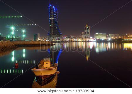 Bahrain Großstadt in der Nacht