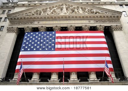 NEW YORK CITY, NY - APRIL 18: The New York Stock Exchange on Wall Street is closed for the weekend after a hectic trading week, on April 18, 2009 in New York City.