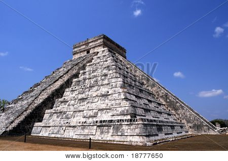 """The Temple of Kukulcan , also known as """"El Castillo"""" (the castle) is a step pyramid that dominates the center of Chichen Itza, a pre-hispanic Mayan city in Yucatan, Mexico."""