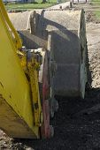 picture of oversize load  - An excavator - JPG