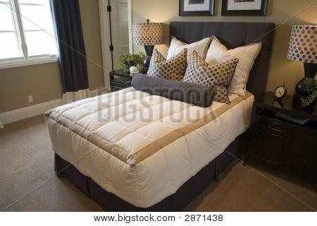 Casa de lujo moderno dormitorio.