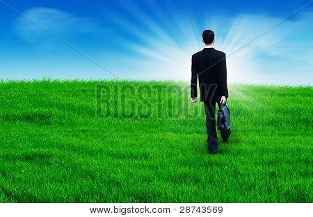 Caminando hacia un futuro brillante