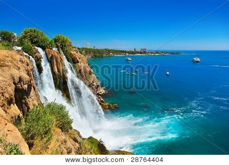 Cascada Duden en Antalya, Turquía