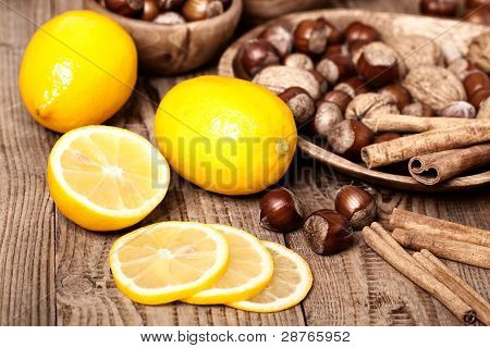Lemons With Hazelnut