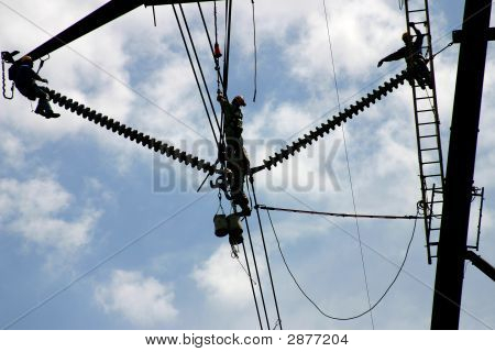 High Tension Power Workers & Helicopter: Powerworkers00032A