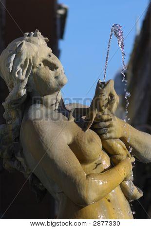 place des jacobins fountain