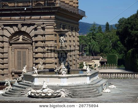 Florence - fountain in the vicinity of the Pitti Palace