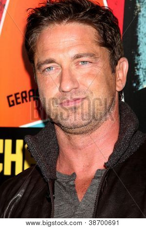 LOS ANGELES - OCT 18:  Gerard Butler arrives at  the