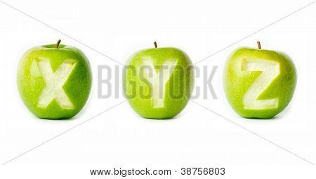 Alfabeto de manzana verde fresca. Parte de la colección.
