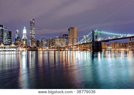 Brooklyn bridge in New York at night