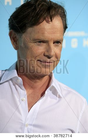 LOS ANGELES - OCT 23:  Bruce Greenwood arrives at the