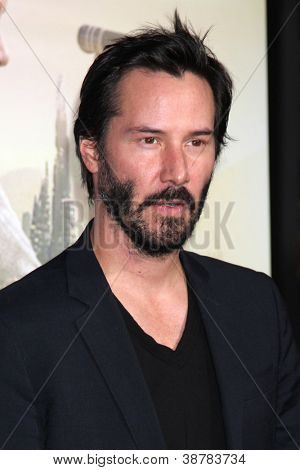 LOS ANGELES - OCT 24:  Keanu Reeves arrives at the