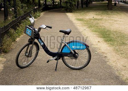 Single Barclays Bike in a park