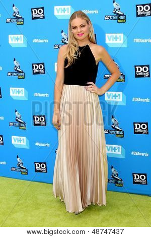 LOS ANGELES - JUL 31:  Caitlin Crosby arrives at the 2013 Do Something Awards at the Avalon on July 31, 2013 in Los Angeles, CA
