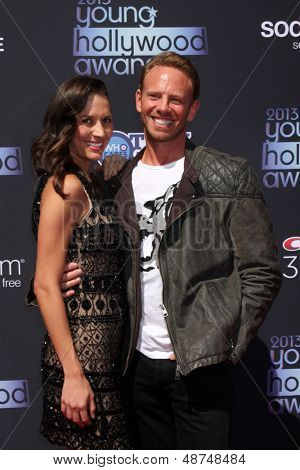 LOS ANGELES - AUG 1:  Erin Kristine Ludwig, Ian Ziering arrives at the 2013 Young Hollywood Awards at the Broad Stage on August 1, 2013 in Santa Monica, CA