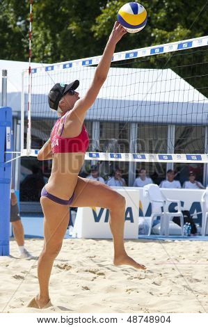 10/08/2011 LONDON, ENGLAND,  Brittany Hochevar (USA) during the FIVB International Beach Volleyball tournament, at Horse Guards Parade, Westminster, London.