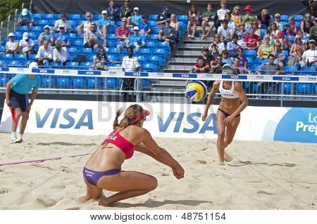 10/08/2011 LONDON, ENGLAND,  Heather Lowe (USA) in action during the FIVB International Beach Volleyball tournament, at Horse Guards Parade, Westminster, London.