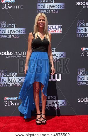 LOS ANGELES - AUG 1:  Tara Reid arrives at the 2013 Young Hollywood Awards at the Broad Stage on August 1, 2013 in Santa Monica, CA